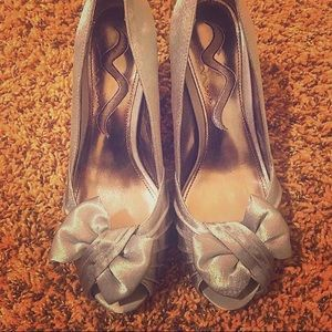 Nina Forbes Silver Womens Heels Size 6.5